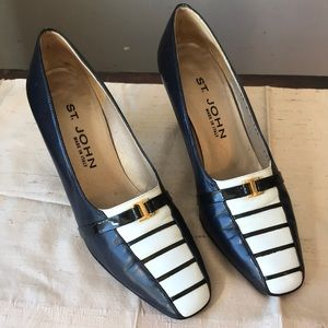 vintage St. John navy white pumps 8 AA